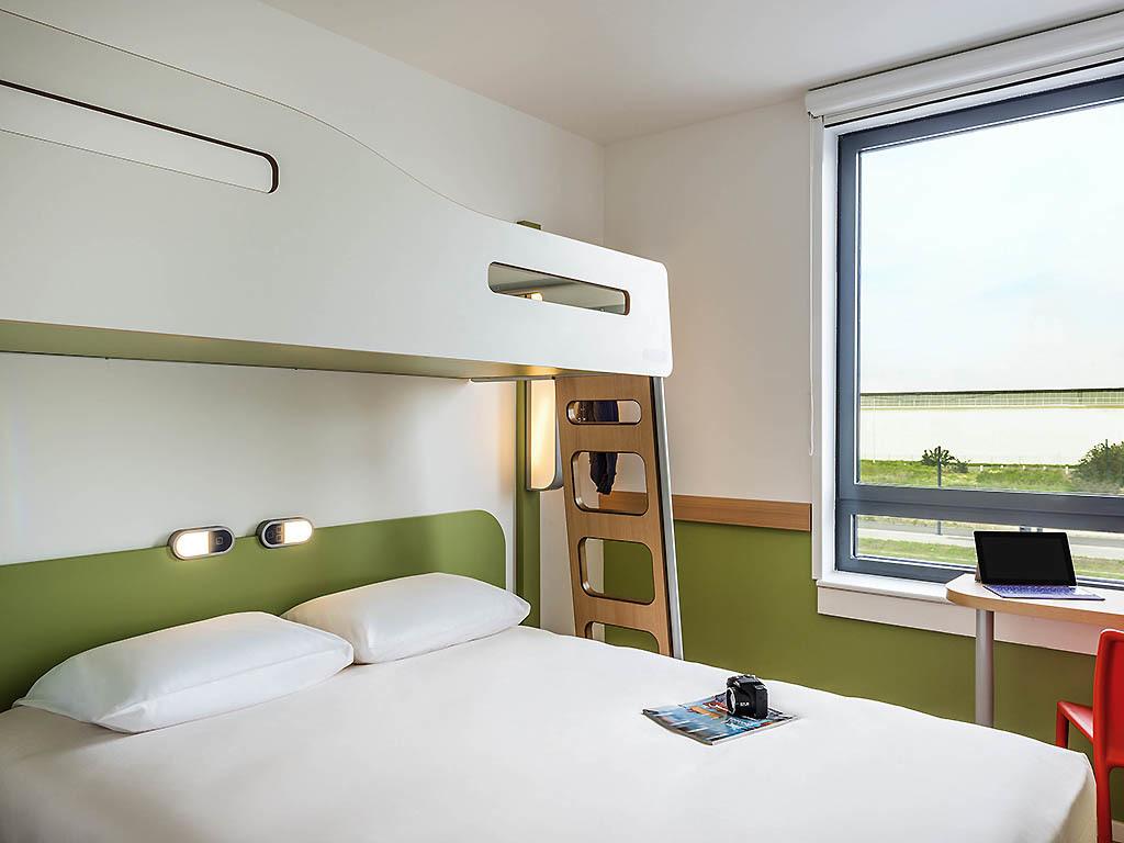 hotel avec navette gratuite aeroport orly. Black Bedroom Furniture Sets. Home Design Ideas